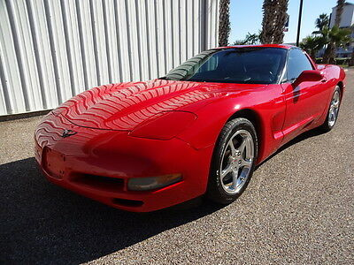 2002 Chevrolet Corvette  2002 Chevrolet Corvette 2 Door Coupe RWD 5.7L V8 Engine Removable Top