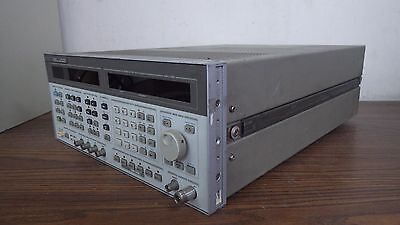 HP 8644A Synthesized Signal Generator