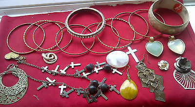 This Is A Good Mixed Vintage Lot Of Costume Jewellery, As Shown In Photo