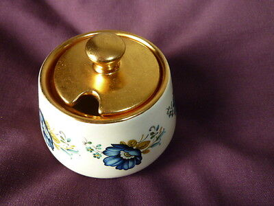 Pretty Prinknash Pottery sugar/jam pot with Floral design approx 3.25 ins tall
