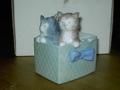 Nao By Lladro kittens In A Box Model 01080 In Ex Con with box