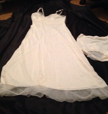 Vintage 1950s Mojud 2 Piece Lingerie Set. From 1954 Wedding Of In Laws Size 32
