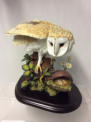 Stunning !! Country Artists Barn Owl With Boot And Mouse