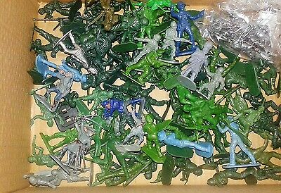 100 x Vintage Plastic Soldiers & A Few Miniatures. Good Condition See Details