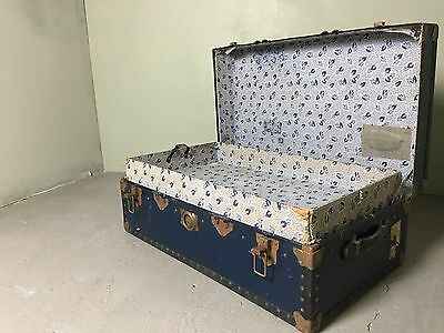 Vintage Luggage Steamer Trunk, Travelling Case Coffee Table Side Table