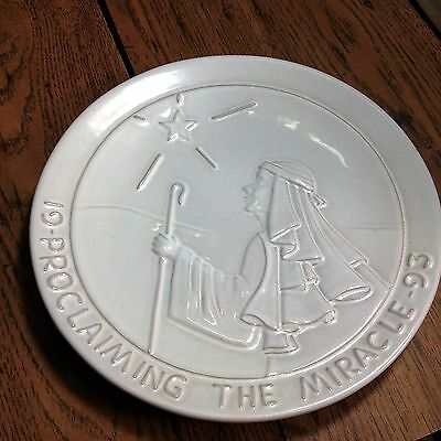 """Frankoma Pottery-1993 Christmas Plate - """"Proclaiming The Miracle"""" w/Sheet"""