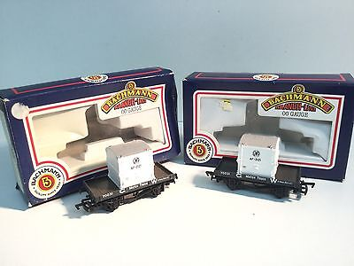 2x Bachmann 33-951 OO Gauge 1 Plank Wagon 70031 GWR with Container