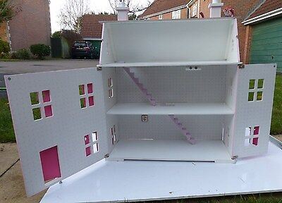 Pink Childs Dolls House