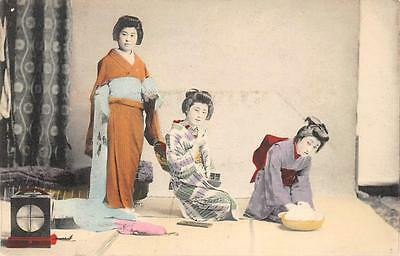 Japanese Women Geisha Girls Hand-Colored Vintage Postcard ca 1910s