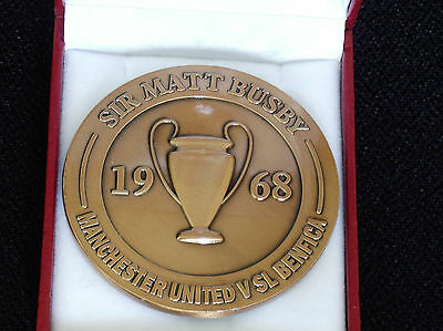 Manchester United - 1968 European Cup Winners Medal - Box & Crest