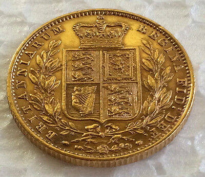 1852  Young Head Shield   Full Sovereign  #2628