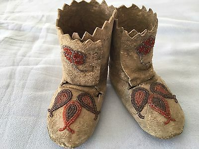 Native American Sioux Assinaboine Cree Handmade Buckskin Beaded Baby Moccasins