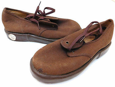 Vintage Dunlop BUMPERS shoes UNUSED 1950s childrens Size 10 school PE sports kit