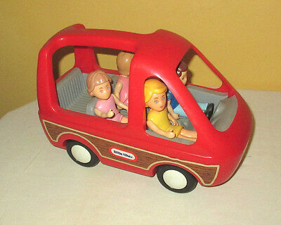 Little Tikes Red Mini Van with 4 people