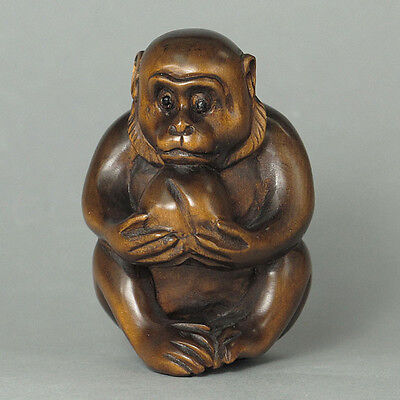 Japanese 1940's Netsuke Boxwood Wood Handcrafted Monkey Eat Peach Carving WN220