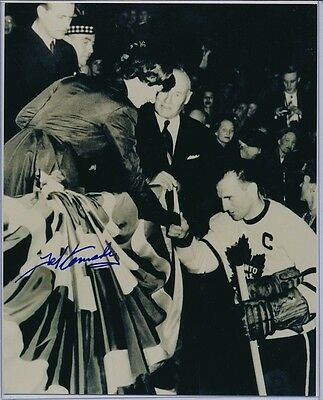 Autographed Ted Kennedy Maple Leafs Photo Queen