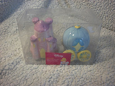 Disney's Carriage And Castle Salt And Pepper Shakers Cinderella