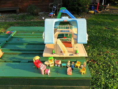 Little Tikes Blue Roof Vintage Dollhouse With Large Lot Of Accesories