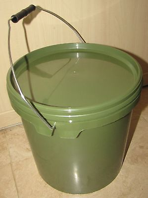 3 x10 Litre Olive Green Plastic Bucket with Lid for carrying bait and boilies