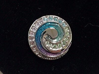 Swarovski SCS 2012 Paikea Whale Event Ocean Wave Tack Pin ~ New in Velvet Pouch