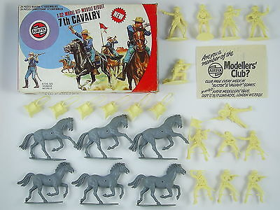 Airfix 7th Cavalry 1/32 Ref. 51469-3, 24 Pieces - Target Box - 1970s Vintage