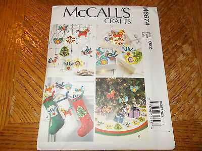McCalls CRAFTS Pattern M6674 ~CHRISTMAS DECORATIONS~ Stocking/Tree Skirt & More