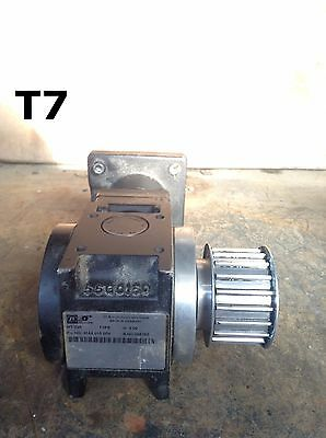 "ZF Industries 4164-015-004 Gear Drive/Speed Reducer 4:1 0.545"" Bore"