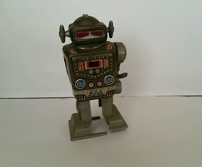 Vintage Tin Toy Robot Captain Wind Up by Yone No 2121 Made in Japan