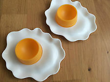 2x Fried Egg Shaped Novelty Egg Cups - New ( Pack of 2)