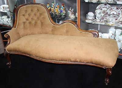 Antique Victorian Walnut Upholstered Chaise Longue
