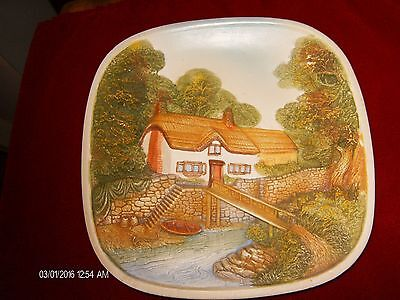 """Legend Products England 3D  8"""" Wall Plate Cottage, In Super Shape-Sturdy/Heavy!!"""