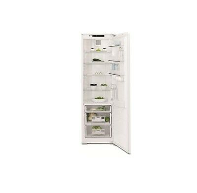 Electrolux ERG3093AOW | Tall, Integrated, Built-in Fridge in White