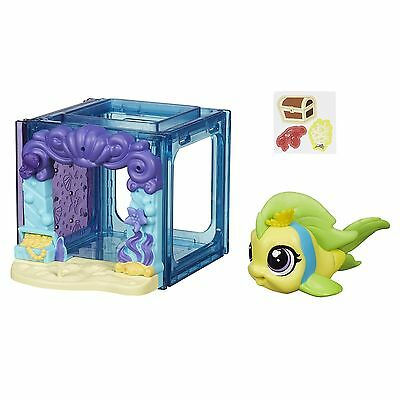 Littlest Pet Shop Mini Style Set with #4023 FLIPPA SPLASHLEY Fish Figure (B2894)