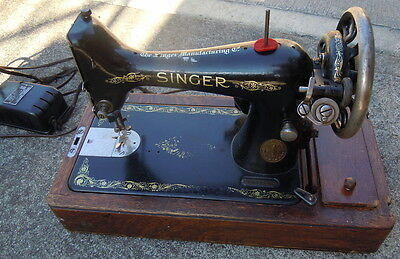 Singer Sewing Machine Model 28K 1910 - Accessories - Electric, No Lid