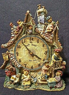 """The Boyds Bears Collector Clock""""Time Waits For No Bear""""Est. 1979~Keeps good Time"""