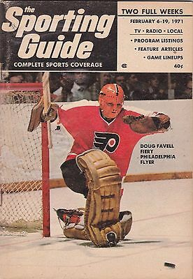 Original 1971 Sporting Guide With Flyers Doug Favell On Cover  New York Edition