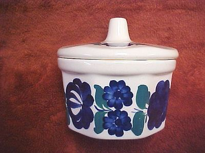 Wtoctawek Polish Pottery bowl with lid