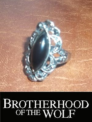 ★ BROTHERHOOD OF THE WOLF (2001) Original screen worn ring prop movie film COA