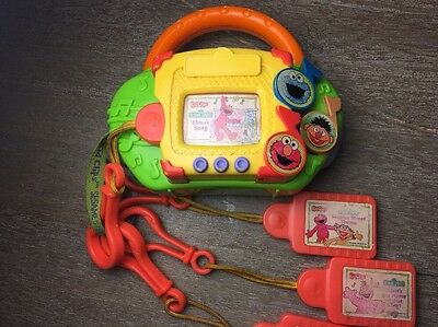 Sesame Street Kid Clips Music Player w/4 Clips Elmo Theme Song Tested & Working