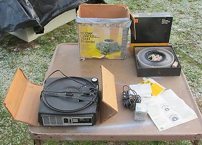 KODAK CAROUSEL 760H Halogen Slide Projector w/ Remote & Extra Lamp ~ VGUC!