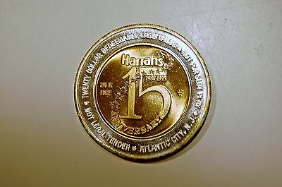 15th ANNIVERSARY  HARRAHS GAMING CASINO $20 .999 SILVER COIN WITH 24KT HGE 80-95