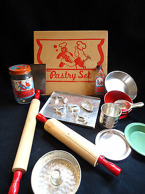 """1945 Transogram """"gold Metal Pastry Set"""" 20 Pieces - Excellent Never Played With"""