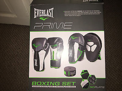 Everlast Prime Boxing Set. Gloves, Pads And Wraps. New In Box