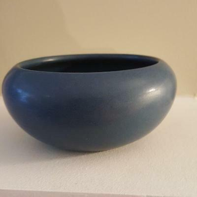 Marblehead Pottery undecorated handthrown matte blue squat vase arts & crafts