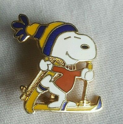 "Vintage Peanuts ""Snoopy"" Skiing Latch Back Brooch Pin"