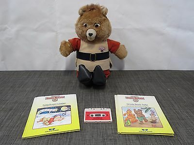 1985 Worlds of Wonder TEDDY RUXPIN Talking Bear with 2 Books and Tape /I12