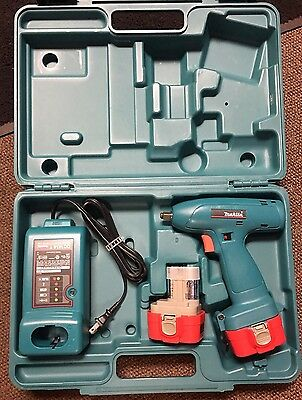 """New Makita 3/8"""" Drive 9.6V Cordless Impact Wrench With Charger & 2 Batteries"""