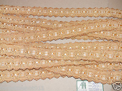 HOULES OF PARIS French Braid Trim  Beige / Ivory velvet centers Scalloped 8+ yds