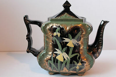 WADE & COMPANY TEAPOT HAND PAINTED DAFFODIL FLOWERS GOLD VERY RARE ANTIQUE 1893c