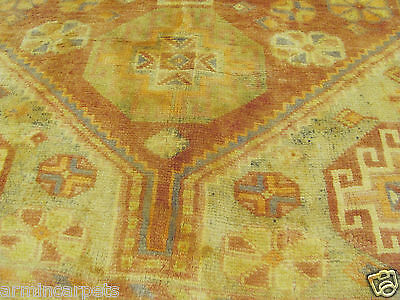 A SUPERB OLD HANDMADE SHIRAS WOOL ON WOOL ORIENTAL RUG (235 x 145 cm)